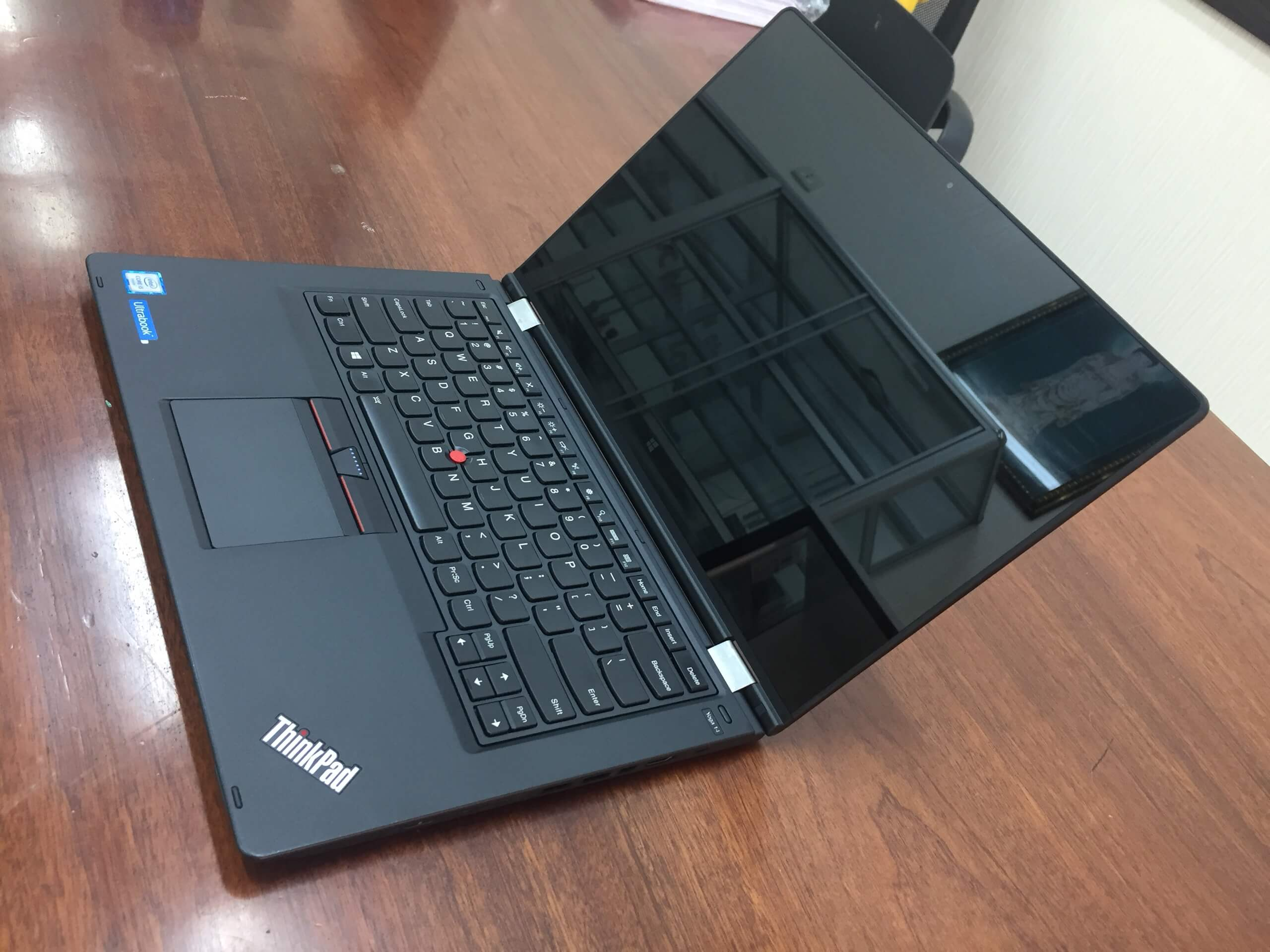 Lenovo ThinkPad Yoga 14 - Laptop3mien.vn (9)